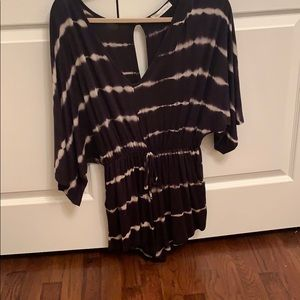 Black and white tie dye romper. 3/4 sleeve